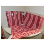8 NEW OUTDOOR PLACEMATS PD. 24.00 SET OF 4