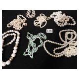 GROUP OF COSTUME JEWELRY NECKLACES, CULTURED