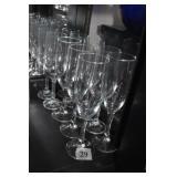 10 CHAMPAGNE GLASSES