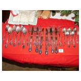 WM ROGERS FLATWARE SILVER PLATED I S IN CASE