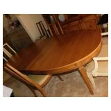 DREXEL WOODEN TABLE WITH 3 LEAVES DREXEL AND 6
