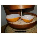 VINTAGE ORANGE PYREX BOWLS - 2 - DAISYS