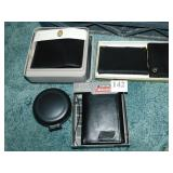 DICKIES WALLET, FOSSIL WALLET AND DESK CLOCK