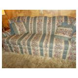 KING HICKORY COTTON AND FELT COUCH 36H 36D 82.5W
