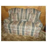 KING HICKORY COTTON AND FELT LOVE SEAT 36H 36D