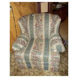 KING HICKORY COTTON AND FELT CHAIR 36H 36D 35W