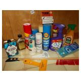GROUP OF CLEANING SUPPLIES