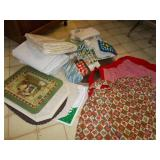 GROUP OF PLACEMATS, KITCHEN TOWELS, AND