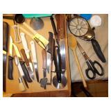 ASSORTMENT OF KITCHEN KNIVES, SCISSORS, PEELERS,