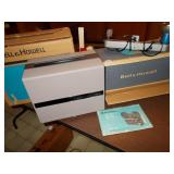 BELL & HOWELL INDOOR MOVIE LIGHT AND MOVIE