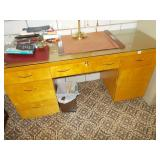 OFFICE DESK WITH GLASS TOP 31H 60W 22D