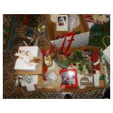 CHRISTMAS DECORATIONS! STUFFED ANIMALS,