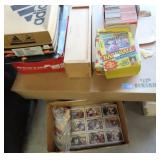 LARGE COLLECTION OF SPORTS CARDS