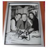 AUTOGRAPHED PHOTO OF KING OF QUEENS CAST