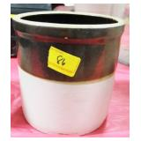 1 GALLON BROWN AND WHITE STORAGE CROCK MINOR