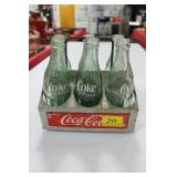 VINTAGE TIN COCA-COLA 6 PACK CARRIER WITH BOTTLES