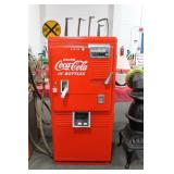 VINTAGE WESTINGHOUSE 10¢ COKE MACHINE -
