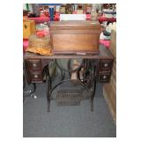 ELDREDGE MFG. CO. TREADLE SEWING MACHINE IN OAK