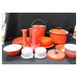 GROUPING: VINTAGE RED KITCHENWARE