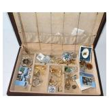 JEWELRY BOX WITH ASSORTED JEWELRY
