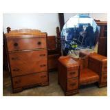 Vintage Art Deco Vanity/Dresser