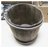 Shaker bucket