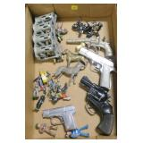 Lot, toy guns, lead figurines (as is), change