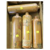 Lot, 4 stoneware alcohol bottles, 2 are Oude Vlek,