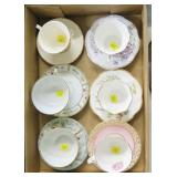Lot, 6 cups and saucers