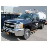 2008 Chevy 2500 HD 4WD pickup truck, 8