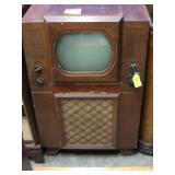 Vintage Electronics, Victrolas, 20,000 Records
