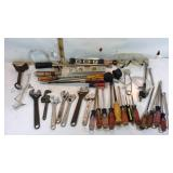 Screw Drivers, Wrenches, Magnate, Lev lbs & More