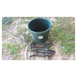Fotiflex 70 Qt Heavy Duty Bucket & 2 Eveners
