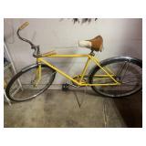 Schwinn yellow adult bike - very nice