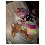 Lot of assorted stuffed animals