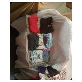 Lot of assorted youth girls shirts   sizes. S,m