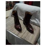 Mens western boots size 9 1/2.
