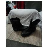 Mens leather motorcycle boots size 9d.