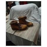 Womens suede boots size 9..