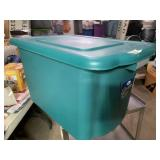 20 gallon storage tote with lid