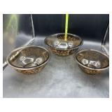 3 Pyrex glass nesting bowls