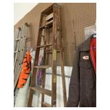 Davidson 8ft wooden folding ladder