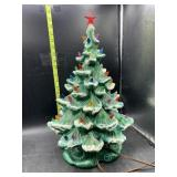 18in ceramic Christmas tree with musical bottom