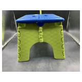 Folding kids step stool