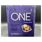 One blueberry cobbler protein bars - 12 bars