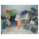 1 Lot Plastic Storage Containers
