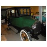 1920 Oldsmobile Series 37B Sedan Wilson Body