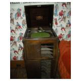 Antique Victrola, Damaged