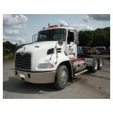 2004 MACK Semi Truck