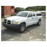 2007  Dodge Dakota SXT Pick Up Truck